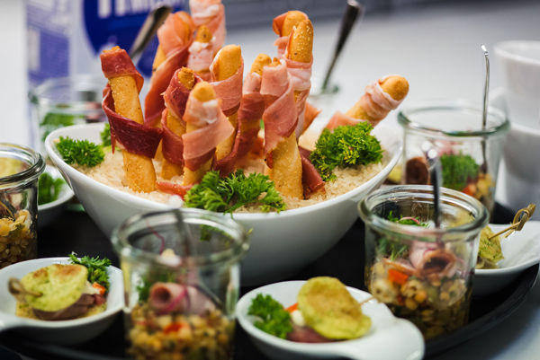 vomfeinsten-catering-Messe-Catering-Buffet