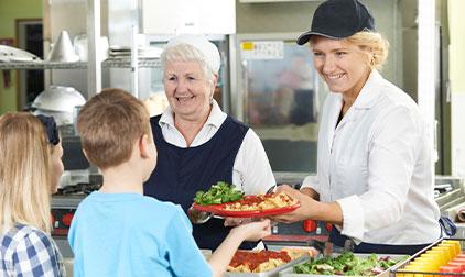 vomfeinsten-catering-hannover-essensausgabe-schule